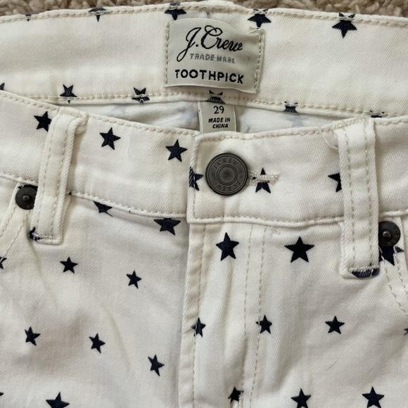 Size 29, cream skinny from JCrew with navy stars.